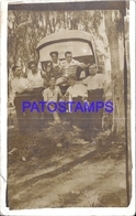 126543 AUTOMOBILE OLD CAR COLECTIVO BUS AND MAN'S CUT POSTAL POSTCARD - Ansichtskarten