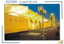 Poitiers La Gare La Nuit  CPM Ou CPSM - Poitiers