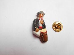 Beau Pin's En Relief , Santon , Folklore , Provence , Trouvère , Troubadour - Pins