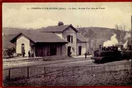 03  CPA FERRIRES-SUR-CHISSON   La Gare   Arrivée D'un Train De Cusset   Très Bon état - Autres Communes