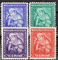 DO 15434 SURINAME   X   YVERT NRS 131/134 ZIE SCAN - Fête Des Mères