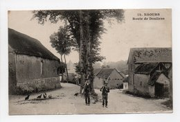 - CPA NAOURS (80) - Route De Doullens (avec Personnages) - Edition Poussart-Balesdens N° 12 - - Naours