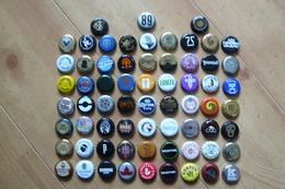 66 Capsules De Bouteilles De Bière - Toutes Différentes - Tous Pays (voir Les 5 Scans) - Birra