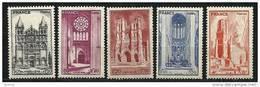 """FR YT 663 à 667 """" Cathédrales """" 1944 Neuf** - France"""
