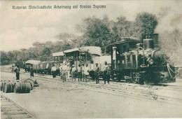 Cameroun, Kamerun Mittellandbahn Arbeitzug Auf Station Japoma, Photo Of Old Postcard, 2 Scans - Kamerun