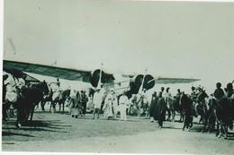 Cameroun, Le Lamido De Garoua Et Ses Cavaliers Entourant L'avion Bloch, Photo, No Postcard, 2 Scans - Cameroun