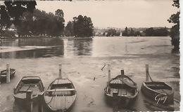 19 / 12 / 292. -  Enghien - Les - Baons  ( 95 ). Le  Lac  &  L'ile  Au Cygnes  - CPSM - Enghien Les Bains