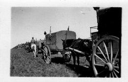 N° 13  Photo Originale .  Caravane Croix Rouge   (  7.5 Cm X 5 Cm) - Krieg, Militär