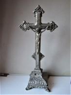 Cricifix En étain - 36 X 15 X 11 Cm.. - C 20 - Godsdienst & Esoterisme