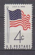 H1385 - ETATS UNIS UNITED STATES Yv N°688 ** DRAPEAU - Stati Uniti