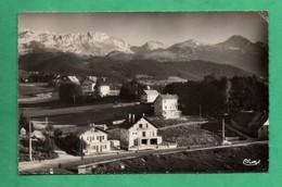 38 Isere Villard De Lans L ' Arrivée à La Station ( Format 9cm X 14cm ) - Villard-de-Lans