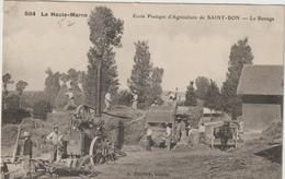 CPA  MOISSONNEUSE BATTEUSE  52  ECOLE PRATIQUE DE ST BON LE BATTAGE - Tractors