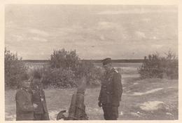 PHOTO ORIGINALE 39 / 45 WW2 WEHRMACHT FRANCE CHAMPAGNE LA FERME DE NAVARIN CANON ALLEMAND EN CAMPAGNE - Guerra, Militares