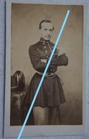 Photo CDV Officier Armée Belge Circa 1865 Carabinier ? Belgische Leger Uniforme Médailles Décorations Armée Belge ABL - Photographs
