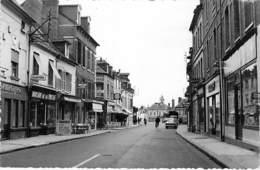 27 - GAILLON Rue Commerçante ( Maison Presse Coop Café Tabac ...) CPSM Village (6.900 H) Dentelée N/B Format CPA - Eure - Autres Communes