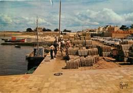 85 - Ile De Noirmoutier - L'Herbaudière - Le Port De L'Herbaudière - Le Quai Et Ses Casiers à Homards - Automobiles - Vo - Ile De Noirmoutier