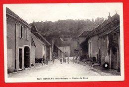 70. Oiselay. Route De Rioz. Eglise St. Jean-Baptiste. Femmes Et Enfants. 1945 - Other Municipalities