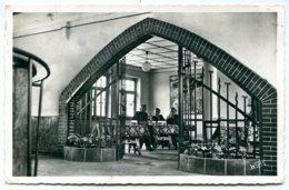 67190 MUTZIG - Le Foyer De La Caserne Clerc - Photo Véritable - édition Wims - Mutzig