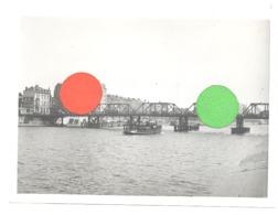 LIEGE - Pont Provisoire Sur La Meuse  En 1957 - Photo 13 X 18 Cm , Peniche, Bateau,.... (b272) - Luoghi