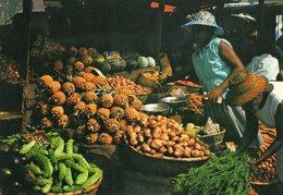 Ile De La Reunion   Marchandes De Fruits - Märkte