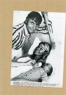 Le Play Boy  GUNTHER SACHS   Son Fils Et Son épouse MIRJA LARSON - Personnes Identifiées