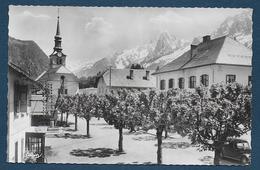 LES HOUCHES - Place De L' Eglise Et La Chaine Du Mont Blanc - Format Cpa - Les Houches