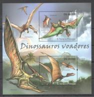 BC911 2011 TOME E PRINCIPE FAUNA REPTILES DINOSAURS DINOSSAUROS VOADORES 1BL MNH - Sellos