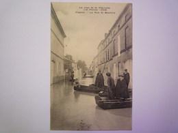 2019 - 3594  COGNAC  (Charente)  :  La Crue De La Charente  1904  -  La Rue De Boutiers  XXX - Cognac