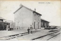 CPA 36 - INDRE - HEUGNES - LA GARE ANIMEE 1933 - RARE CARTE INEDITE EDITEUR BARRAUX - France