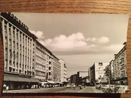 CPSM (1957), Ludwigshafen Am Rhein, Ludwigstrasse,animée, Enseignes, Commerces, Voitures, Vélos, écrite, Timbres - Ludwigshafen