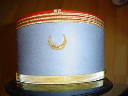 KEPI OFFICIER SUBALTERNE / TIRAILLEURS - Casques & Coiffures