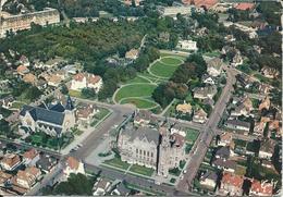 CPM 62 - Le Touquet Paris Plage . L'Hotel De Ville Et L'Eglise Jeanne D'Arc - Le Touquet