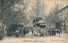 J3 - 84 - SAINTE-CÉCILE - Vaucluse - Place De La Concorde - Arrivée De L'Autobus - France