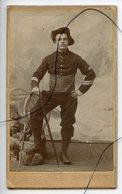 CDV. Carte De Visite.Militaire. Soldat. Chasseur Alpin ? COL Numéro 97. TOCHON. CHAMBÉRY - Photos