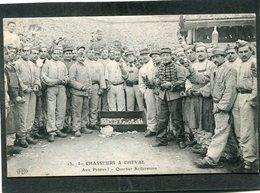 CPA - 1er CHASSEURS A CHEVAL - Quartier Kellermann - Aux Patates, Très Animé - Regiments