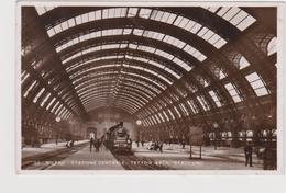 Milano  Stazione Centrale -tettoie (arch. Stacchini) - Italia