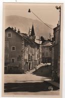 CPSM 05 : 1553 - EMBRUN - Entrée De La Ville - Ed. La Cigogne à Grenoble - Embrun