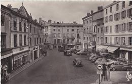 BOURGOIN  La Place D'Armes - Bourgoin