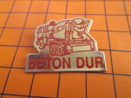 1819 PINS PIN'S / Beau Et Rare : Thème MARQUES / CAMION TOUPIE BETON DUR BETONNIERE BTP - Trasporti
