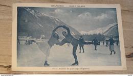 CHAMONIX : Partie De Patinage  …... … NW-4245 - Chamonix-Mont-Blanc