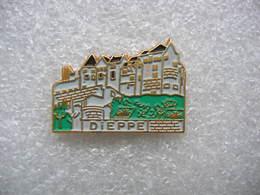 Pin's D'un Paysage De La Ville De DIEPPE - Steden