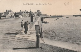 Le Port Et Les Jetées - Barfleur