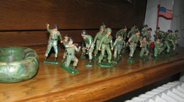 24 STALUX (Soldats) - Starlux