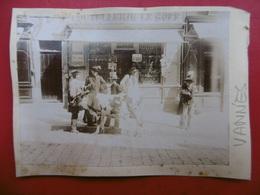BRETAGNE VANNES COUTELLERIE LE GOFF PHOTO CIRCA 1890 Dim 11 X 8 - Plaatsen