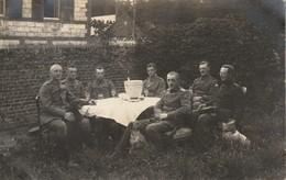 CP Photo 1917 PARPEVILLE (près Ribemont) - Officiers Allemands, Chien (A218, Ww1, Wk 1) - War 1914-18