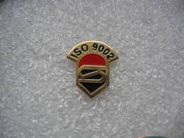 Pin's De La Norme ISO 9002 - Marques