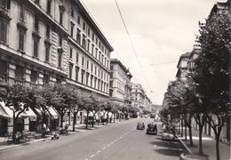 ROMA - VIA COLA DI RIENZO - BAR - PIAGGIO VESPA - AUTO FIAT TOPOLINO E ALTRE - 1962 - Cafés, Hôtels & Restaurants