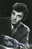Charles Aznavour Texte Et Signature - Zangers En Musicus