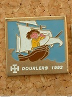 PIN'S SCOUT - DOURLERS 1992 - Associations