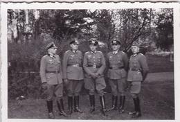PHOTO ORIGINALE 39 / 45 WW2 WEHRMACHT POLOGNE SOLDATS ALLEMANDS AU PARC - Guerre, Militaire